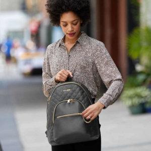 Prebaľovací batoh Linx Quilted Backpack - Black