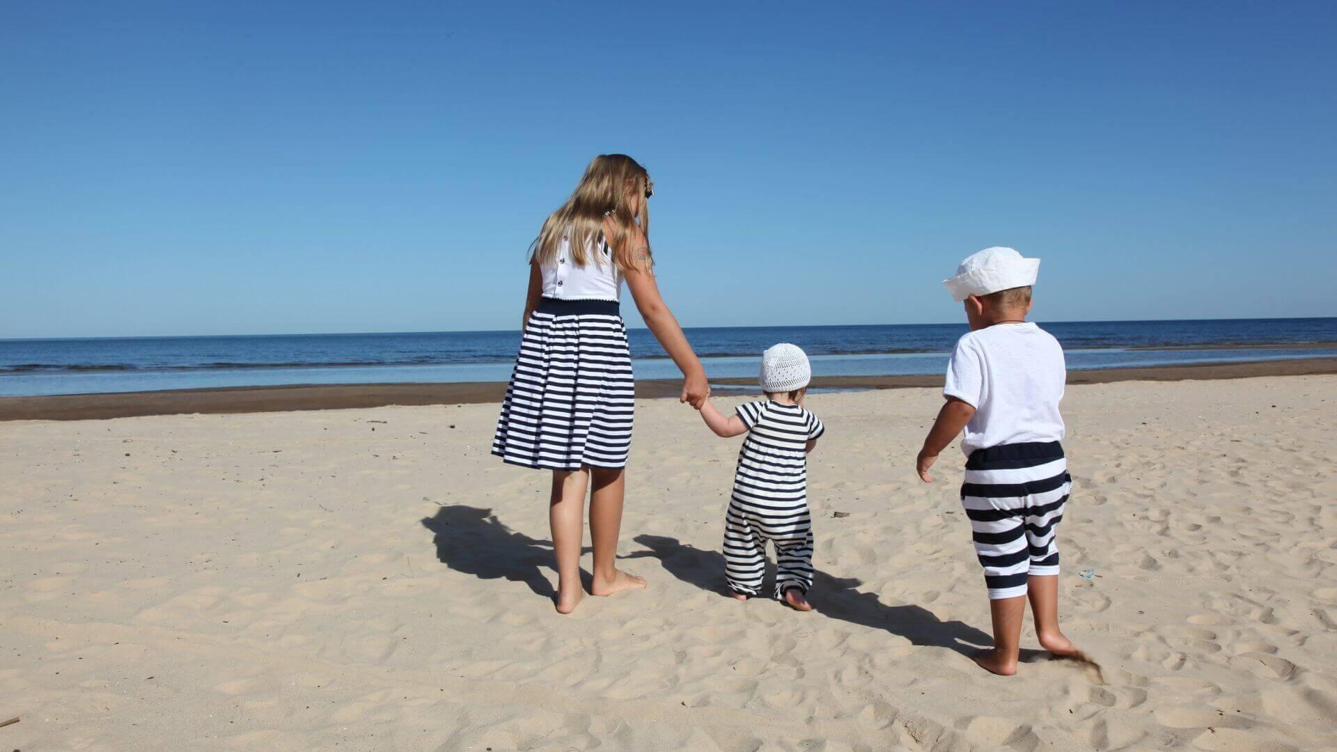 Letná dovolenka s bábätkom – Naše tipy čo si zbaliť do kufra